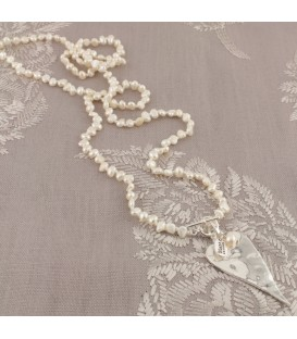 Lila Heart Necklace in Cream Pearl