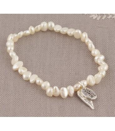 Lila Heart Bracelet in Cream Pearl